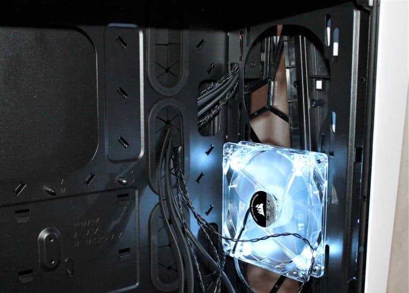 corsair spec omega ventilador luz