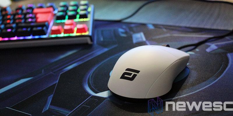 endgame gear XM1 white review set up