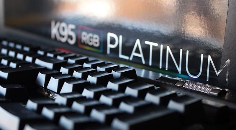 primer plano Corsair K95 RGB Platinum NewEsc