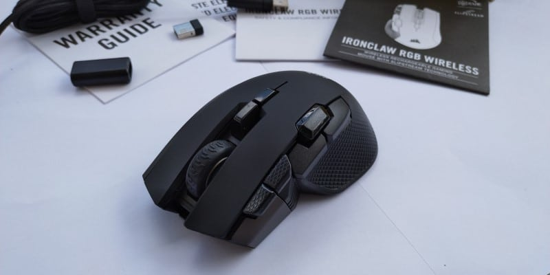 review Corsair Ironclaw RGB Wireless & MM350 frontal
