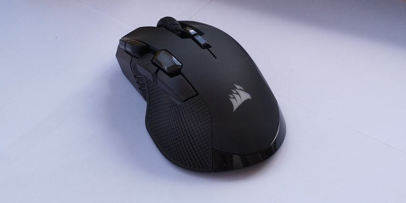 review Corsair Ironclaw RGB Wireless & MM350 trasero