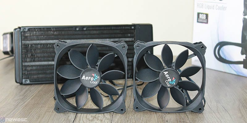 review aerocool pulse L240 ventiladores