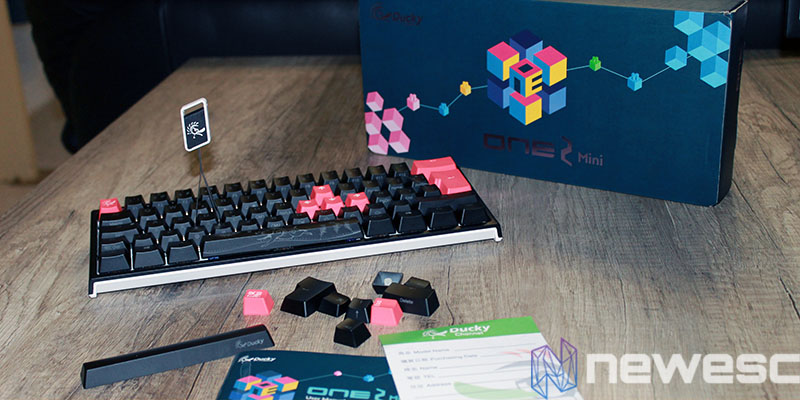 review ducky one 2 mini rgb pack