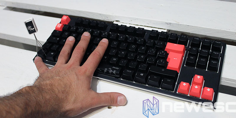 review ducky one 2 tkl mano